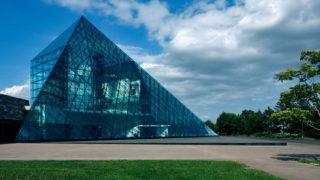 モエレ沼公園のガラスのピラミッド