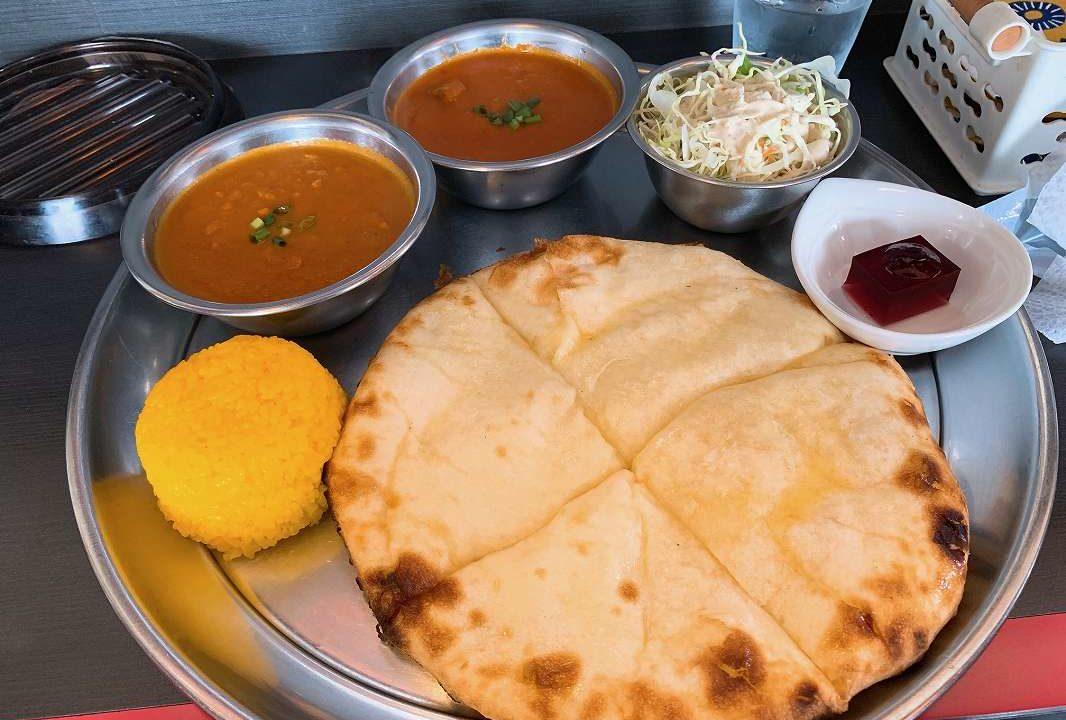 ネパールカレー屋STARのチーズナンセット